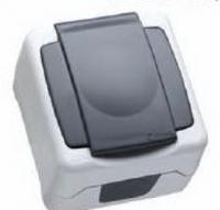 Макел IP55 герметичная розетка с крышкой серая 36064029